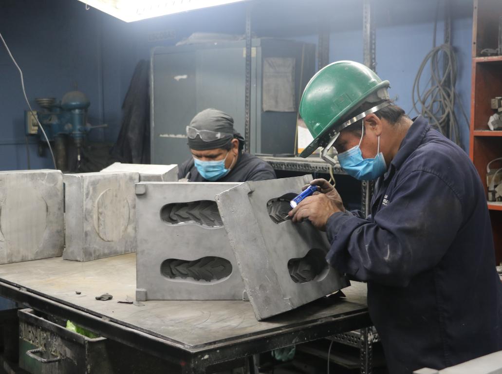 https://www.alianzametalurgica.com/wp-content/uploads/2020/10/fundicion-a-presion-alianza-metalurgica.jpg